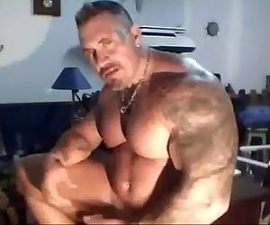 Muscle father Solo..