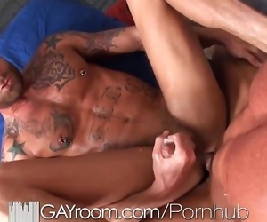 GayRoom Bodybuilders gets..